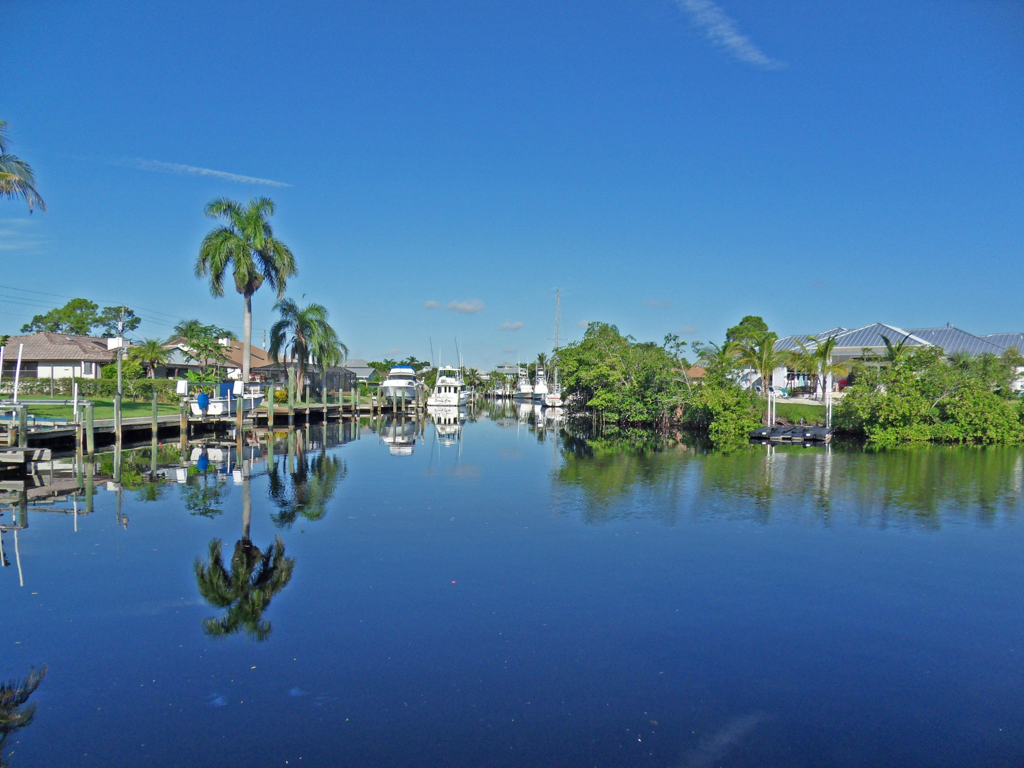 http://stuartfloridarealestatenews.com/wp-content/gallery/listings/011-water-view.jpg