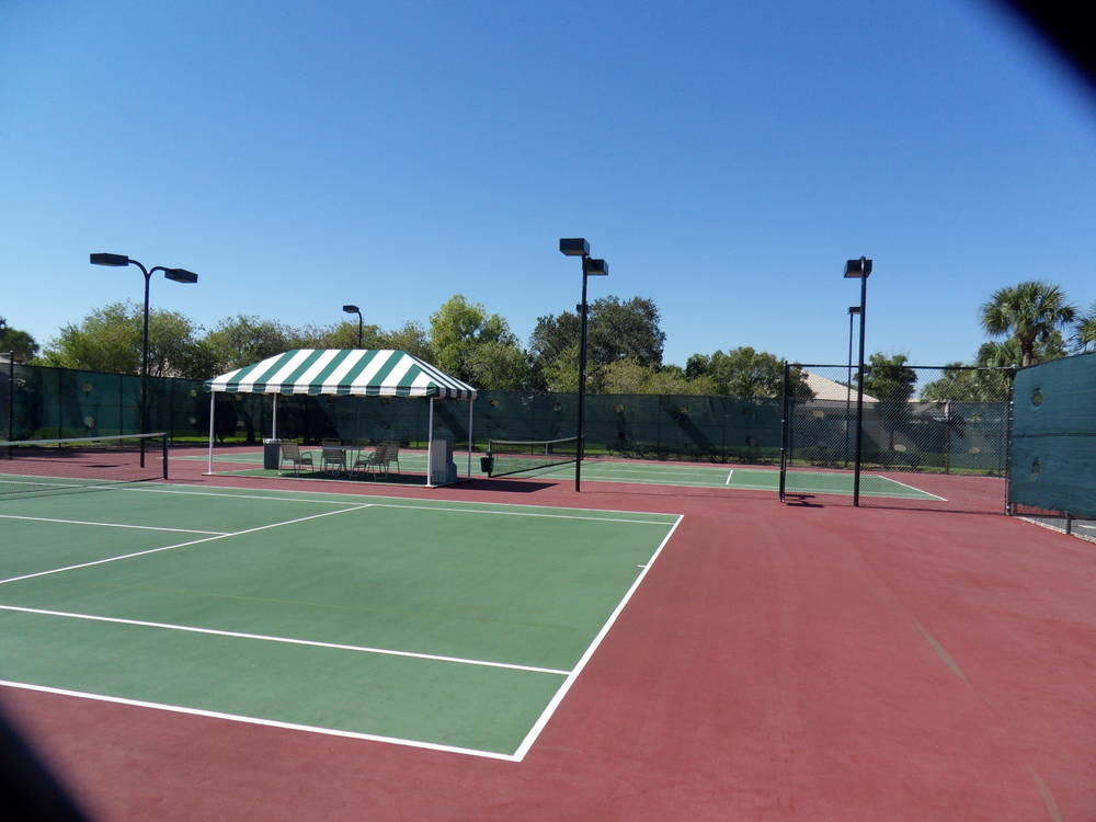 Meadows Tennis Courts