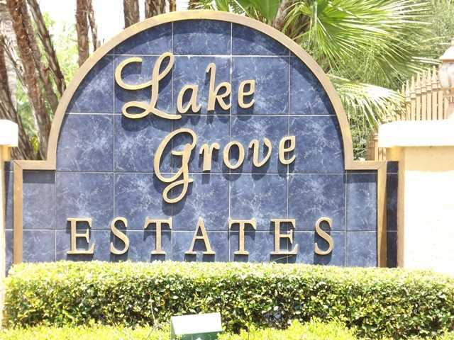 Lake Grove in Palm City