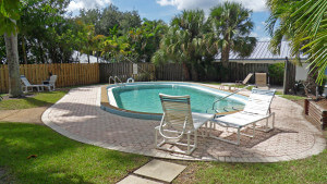 Royal Oak Towers B-3 Back Under Contract in Downtown Stuart FL