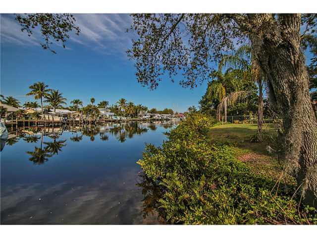 Hideaway Isles real estate in Palm City FL