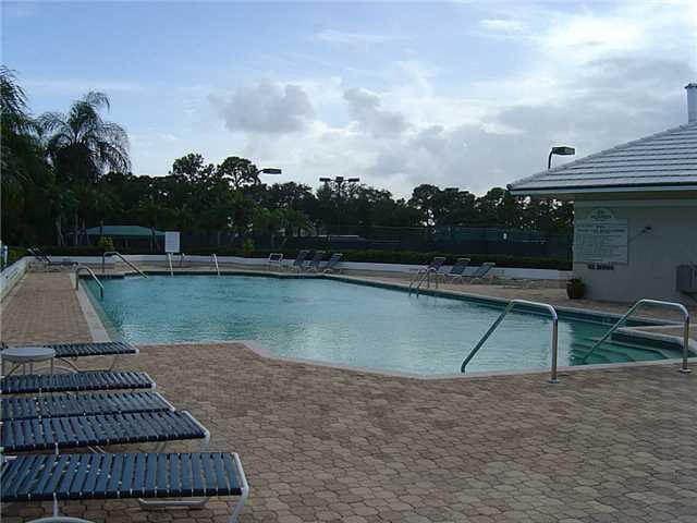 swimming pool of the Monarch Country Club
