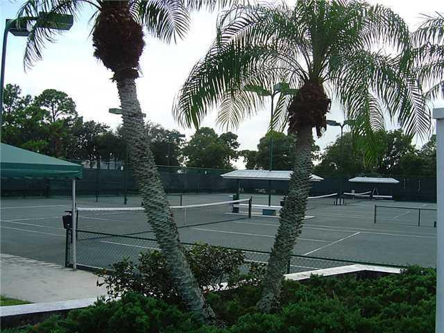 tennis courts in the Monarch Country Club
