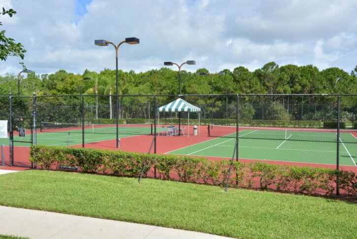 tennis courts in Mariner Village