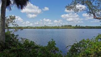 Ocean access waterfront land