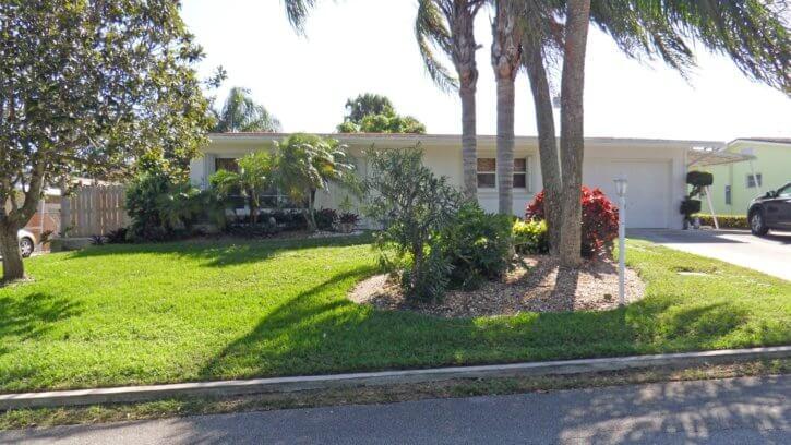 2328 NE Center Circle in Jensen Beach FL