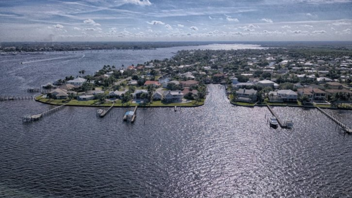 Lighthouse Point and Seagate Harbor in Palm City FL