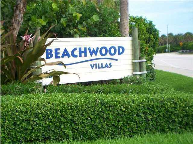 Oceanfront condos in Beachwood Villas